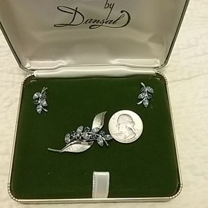 Vintage Jewelry - Vintage brooch and earring set